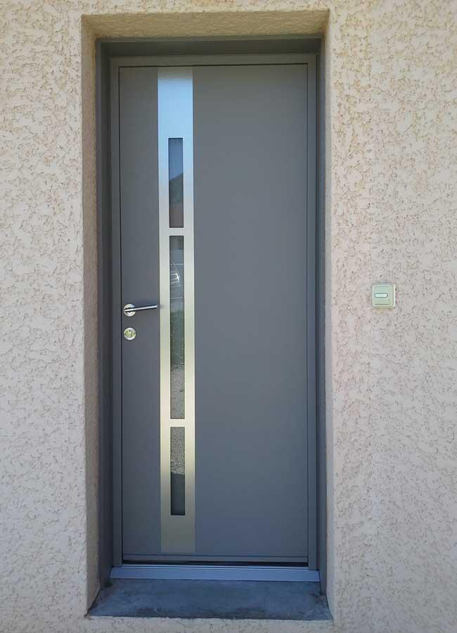 menuiserie-porte-entree-securisee-74-haute-savoie